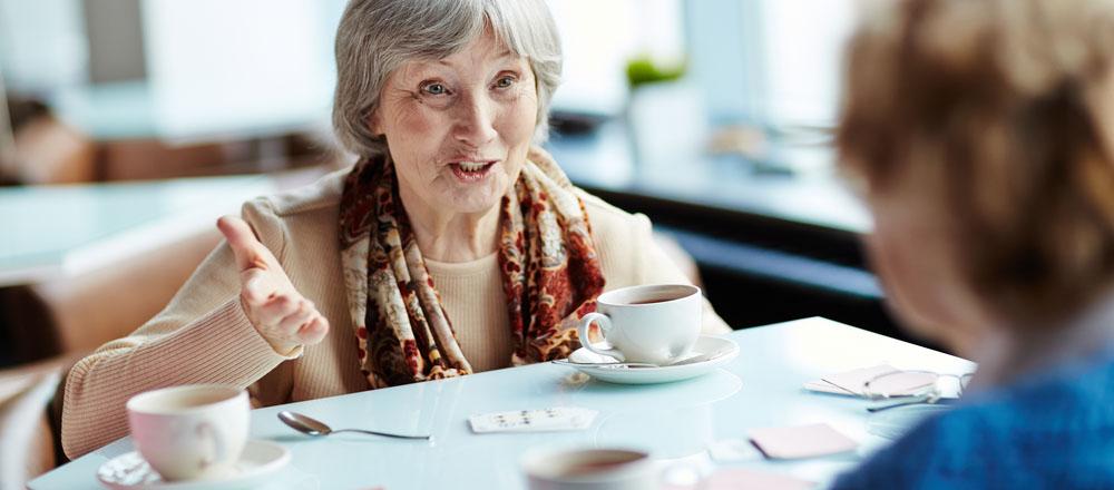 Tips for Making Friends in Senior Living