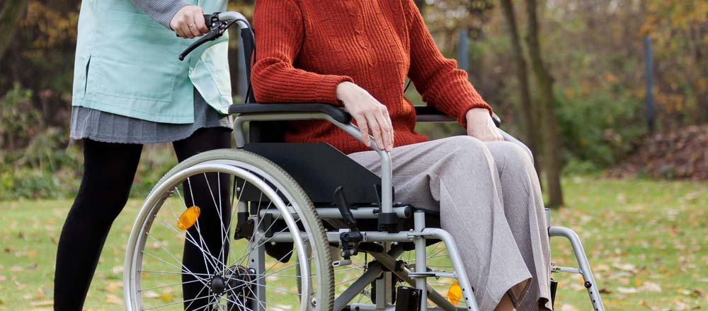 5 Everyday Outings for Seniors and Caregivers | American Baptist Homes of the Midwest